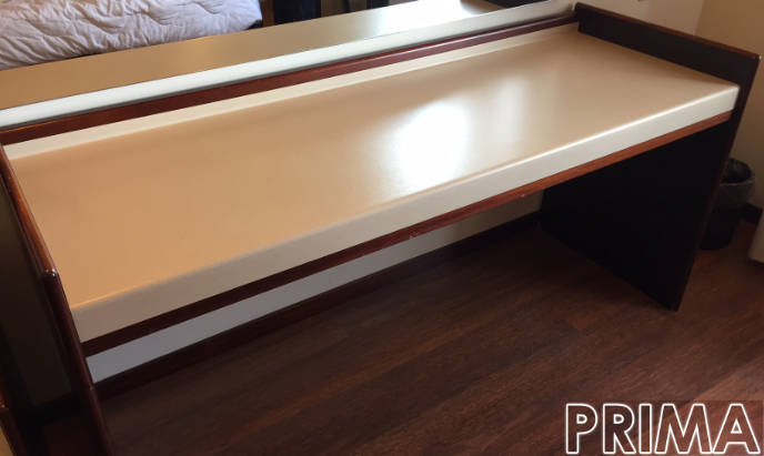 scrivania prima del rivestimento effetto pelle